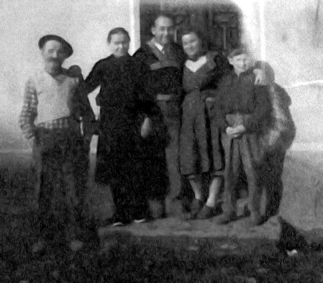 1943 André et Marie Grangeon, William Merkin, Marguerit Grangeon et son fils Michel Demenjean